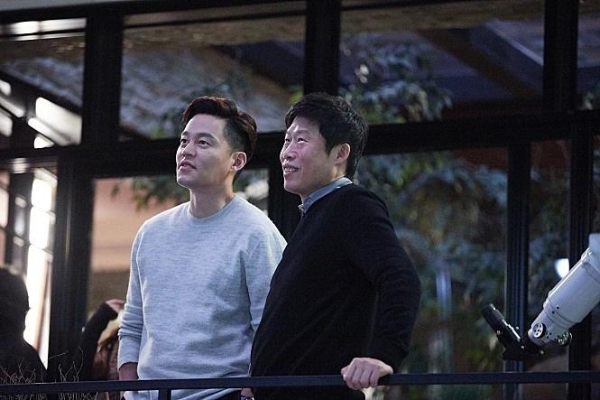 12월 배리어프리 상영작 <완벽한 타인> 스틸컷 이미지 01